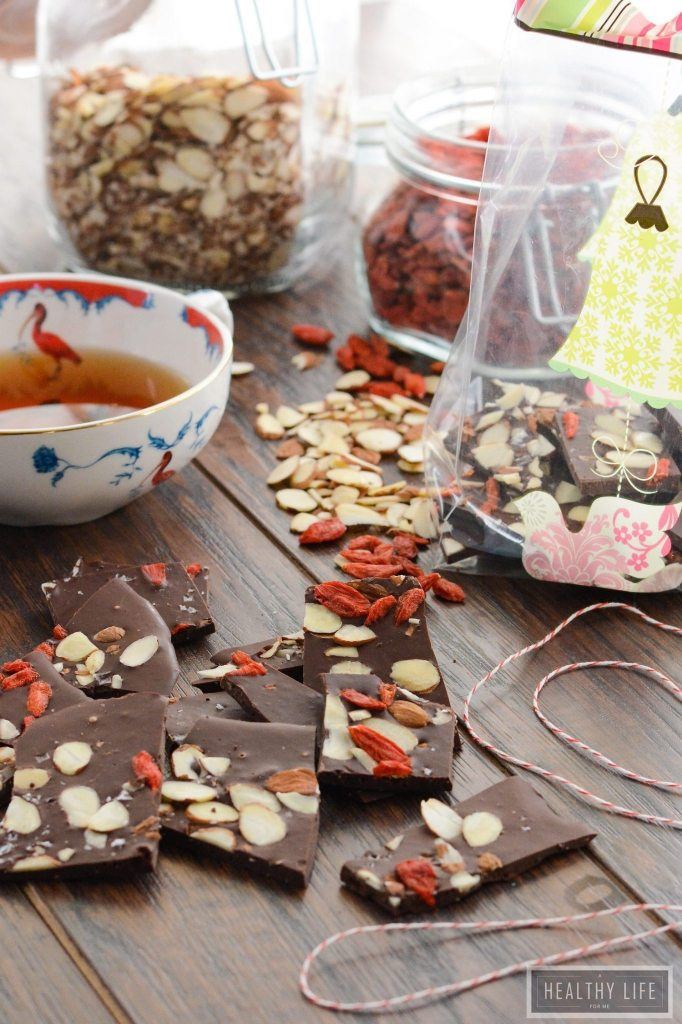 Superfood Chocolate Coffee Bark is gluten free, healthy and decadent recipe   ahealthylifeforme.com
