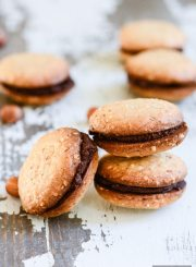 Hazelnut Chocolate Sandwich Cookie Recipe gluten free vegan | ahealthylifeforme.com
