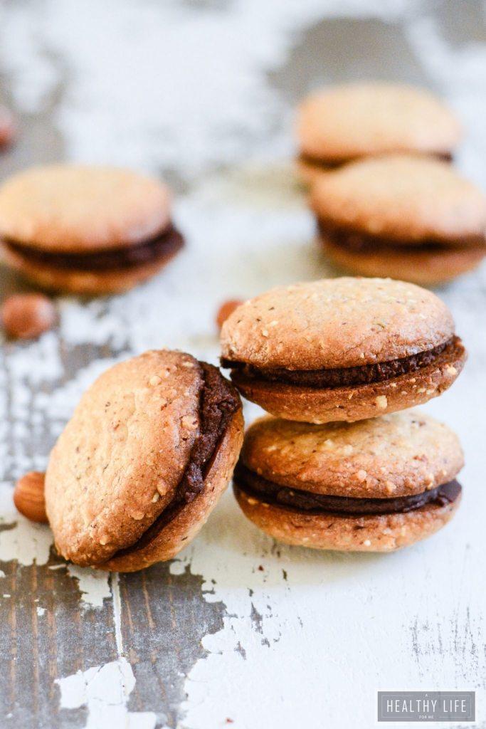 Hazelnut Chocolate Sandwich Cookie Recipe gluten free vegan | ahealthylifeforme.com
