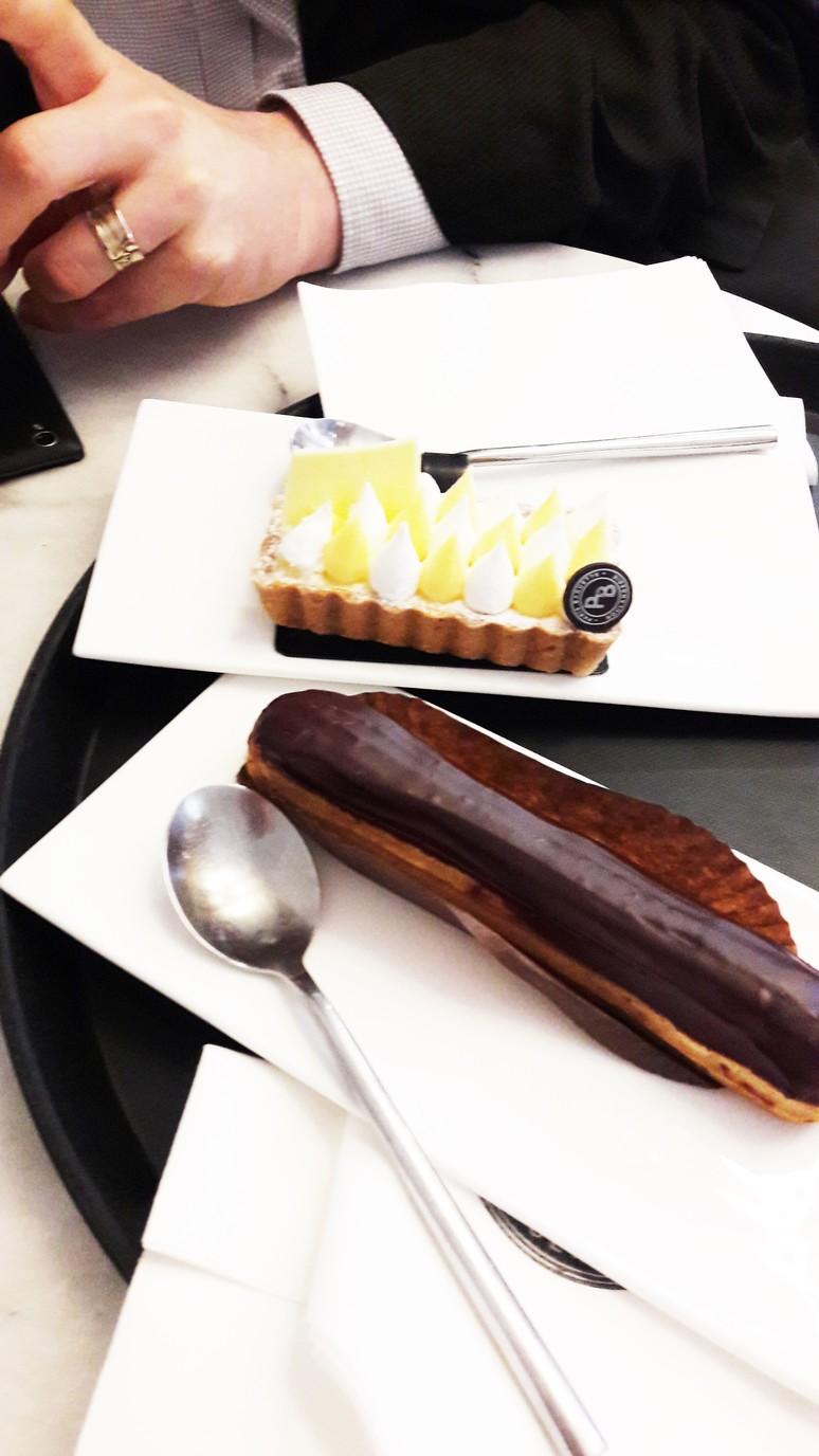 Paris Baguette. A Parisian café with the perfect mix of new and old. | ahedgehoginthekitchen.com