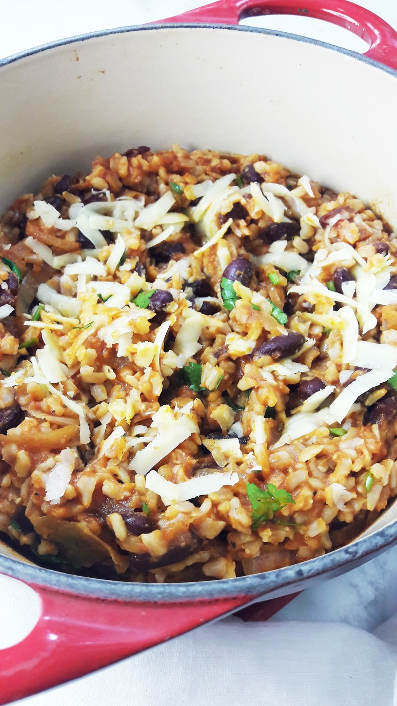Cajun brown rice and beans recipe. Full of spice and flavor! Easy to make, nutritious and satisfying. | ahedgehoginthekitchen.com
