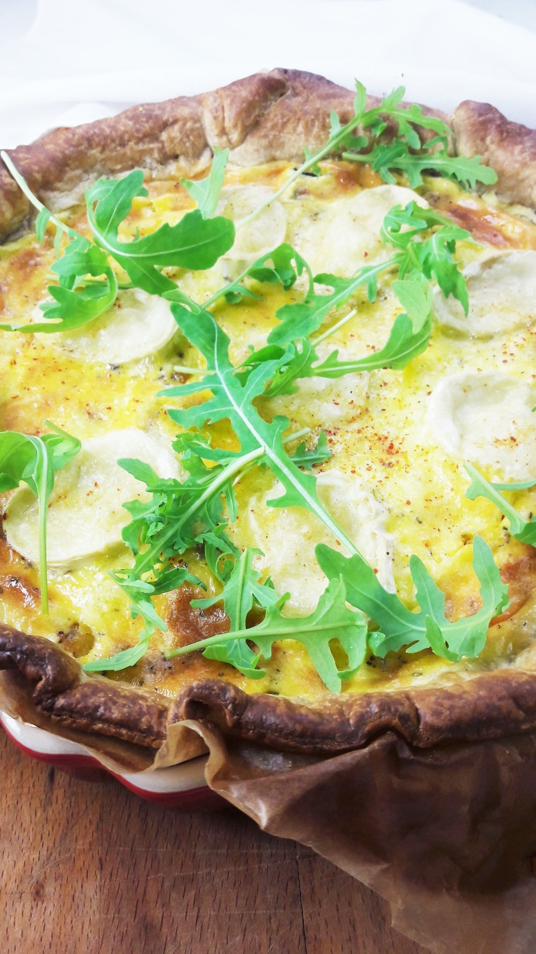 This goat cheese zucchini quiche is so easy to pull together. Just 10 ingredients & 45 minutes!   ahedgehoginthekitchen.com