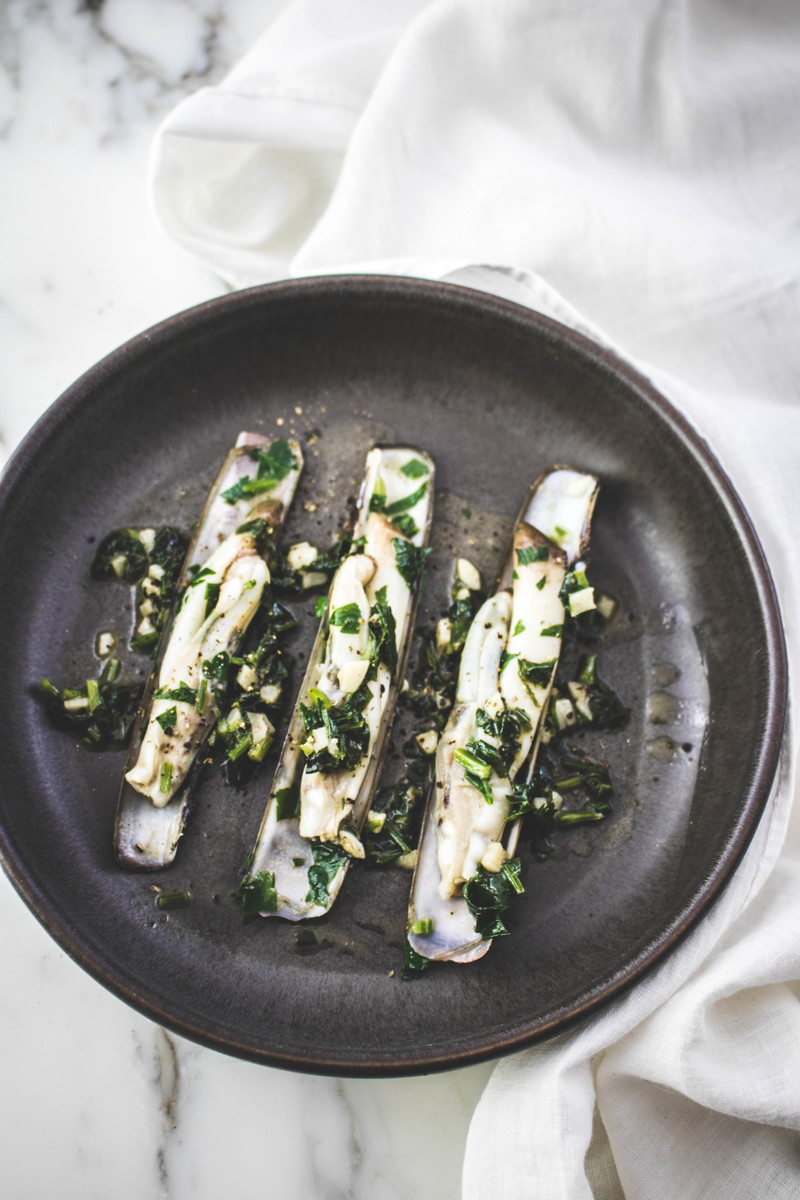 Sauteed razor clams with garlic and parsley | ahedgehoginthekitchen.com