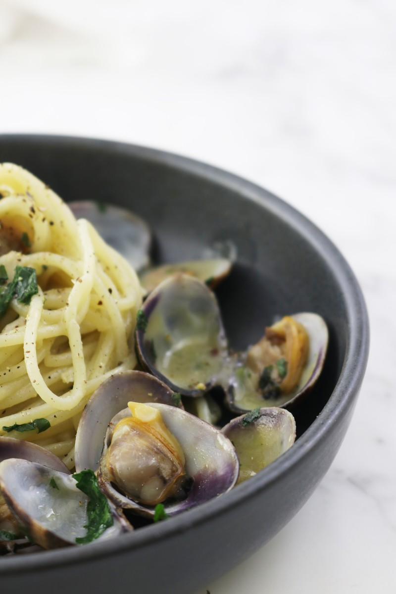 Spaghetti alle vongole | ahedgehoginthekitchen.com