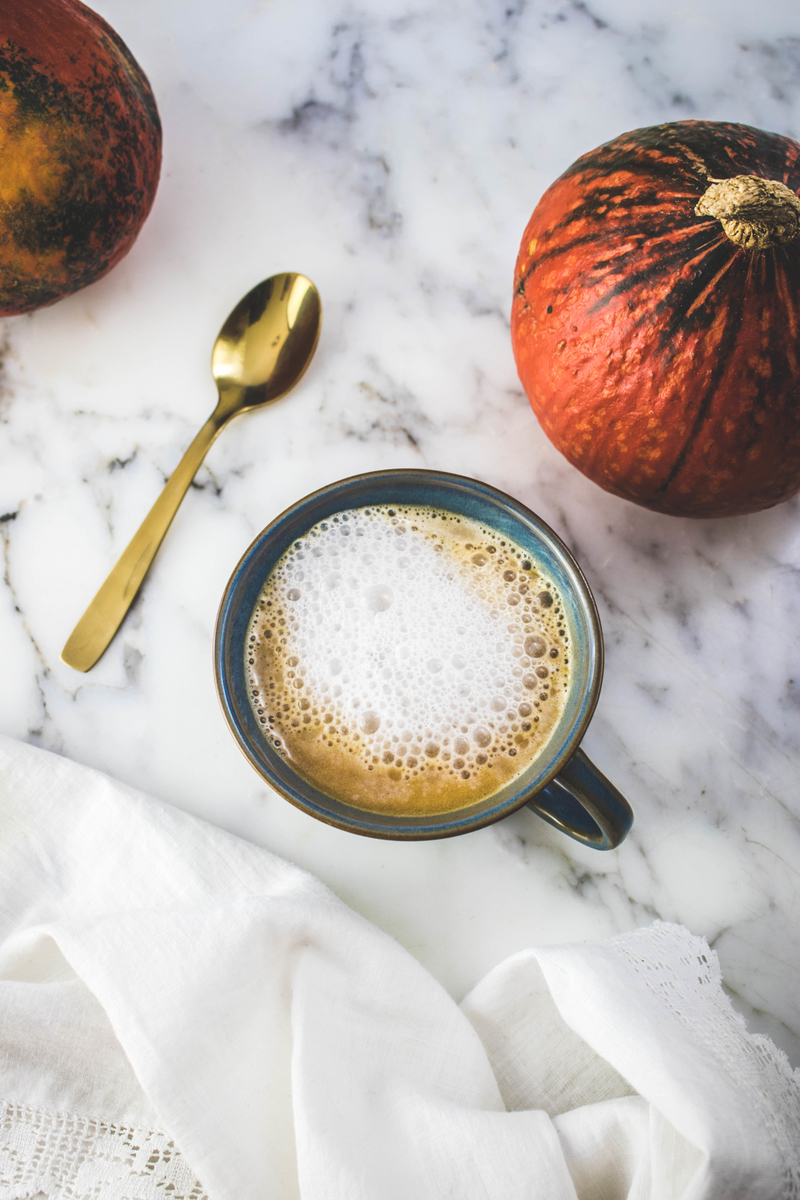 Easy Pumpkin Spice Latte Recipe - no syrup required - ahedgehoginthekitchen.com