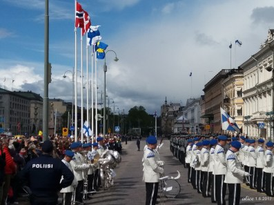 The arrival of Nordic Heads of States in Helsinki 20170601_103508C