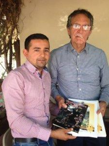 Entrega de Libros a la Comunidad de San Benito