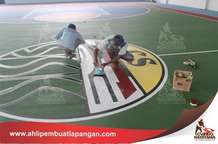 pembuatan logo lapangan olahraga pada lapangan basket
