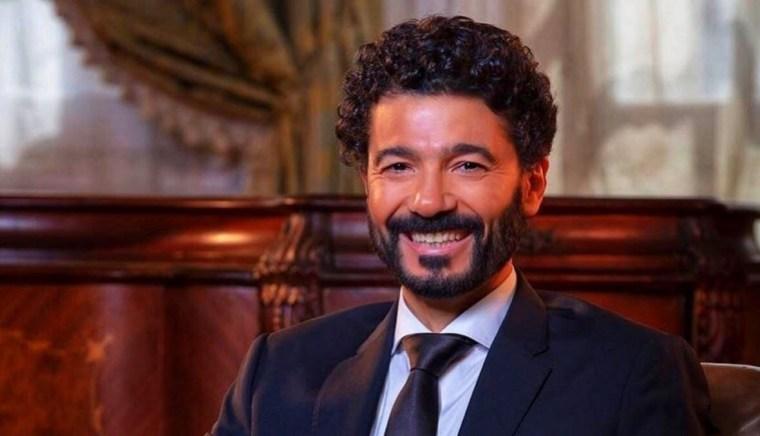 خالد النبوي يحتفل بعيد ميلاده الـ55 ونجله يهنئه