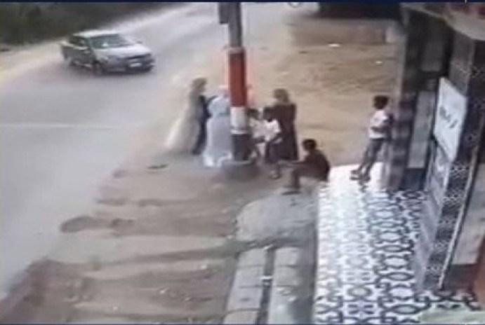 سيارة تدهش شاب وفتاة في حادث مأساوي أثناء الإحتفال بحفل زفاف في فاقوس ووزارة الداخلية تكشف الملابسات