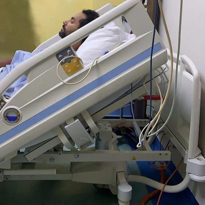 """كريم فهمي يتعرض لأزمة صحية وينقل إلي المستشفي """"مشكلة في الرئة"""""""