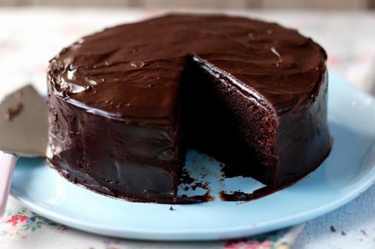 طريقة عمل كيك الشوكولاته بالصوص - وصفات عمل كيك شوكولاته