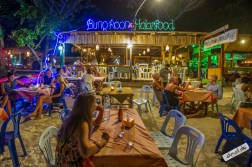 Night Live by The Beach, Bung Roon Halal Food