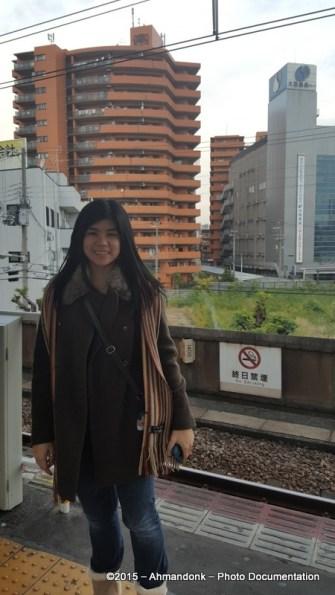 Di Stasiun Menuju Osakajo Park
