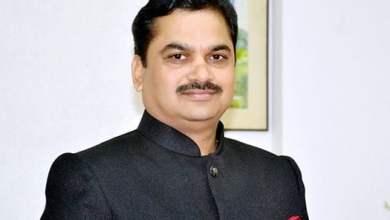 Photo of माजीमंत्री राम शिंदे झाले भावुक ,वडीलांचे निधन झाल्यानंतर म्हणाले…