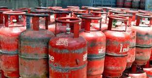 Photo of 1 नोव्हेंबरपासून गॅस सिलिंडरशी संबंधित 'हे' नियम बदलणार ; जाणून घ्या अन्यथा होईल नुकसान