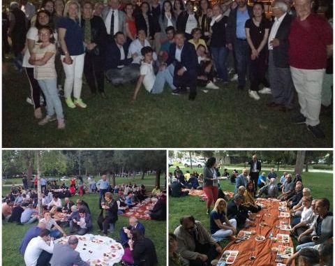CHP OSMANGAZİ MERİNOSTA ÇİMLER ÜSTÜNDE İFTAR PİKNİĞİ