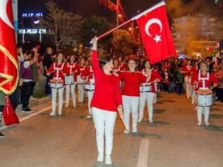 BARIŞ MAHALLESİ KADINLAR BANDOSU