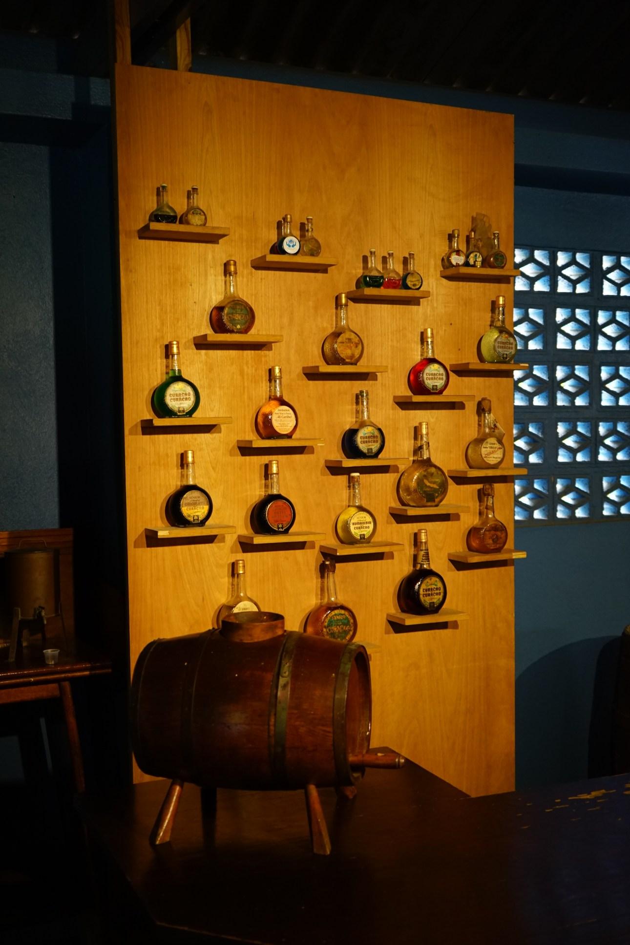 Landhuis Chobolobo,Brennerei Senior Co. und die Geschichte des Blue Curaçao Likör