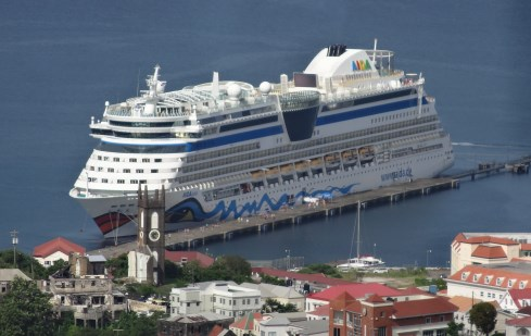 Grenada - Blick vom Fort in den Hafen