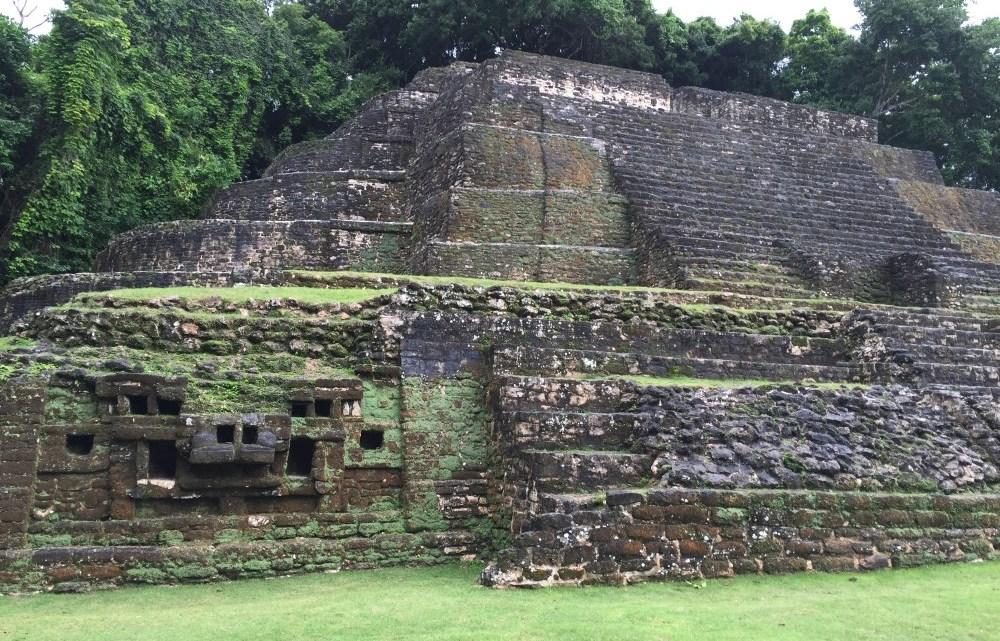 Kreuzfahrtausflug: Mayastätte Lamanai an der New-River-Lagune