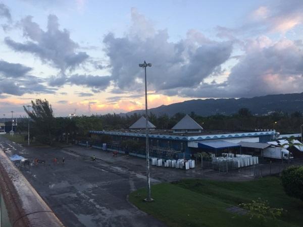 Hafenterminal Montego Bay am Abend