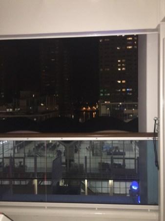 Hafenterminal bei Nacht