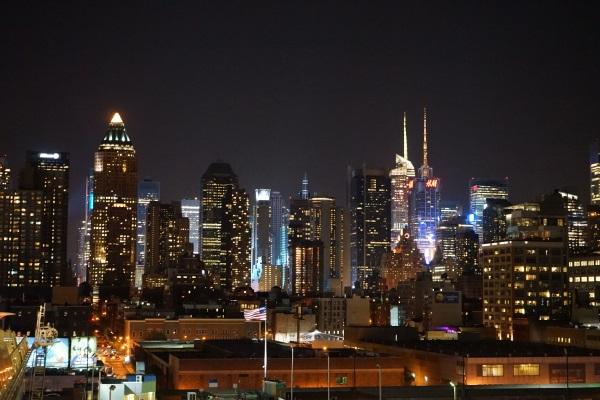 New York bei Nacht - der Times Square ist hell erleuchtet