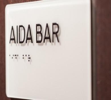 Bar Information zum Namen der Bar