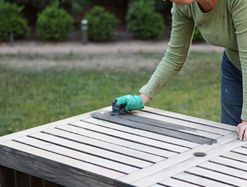 painting the outdoor furniture how i