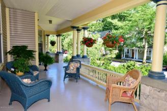 Thomas porch