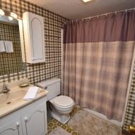 11 Bathroom (1)