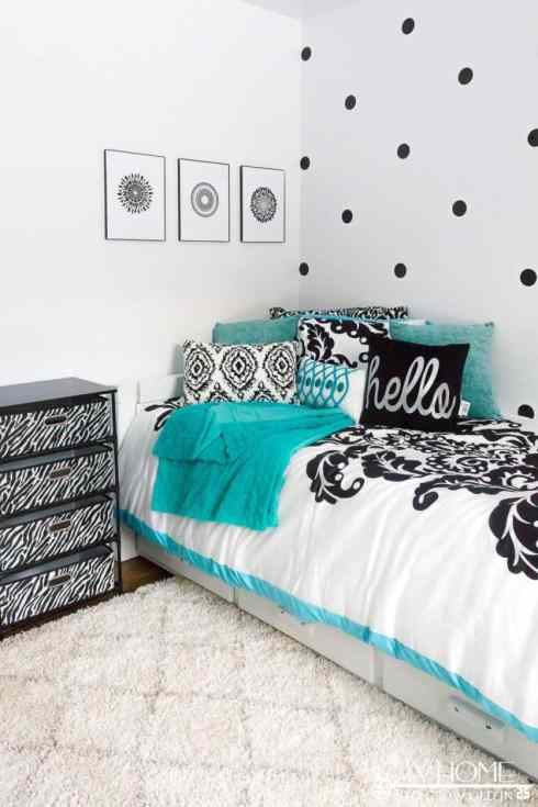 A gorgeous black, white, and teal girl's bedroom Bloggers Heart Habitat