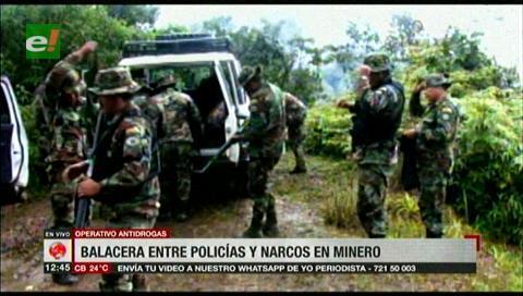 Balacera entre policías y narcos en Mineros