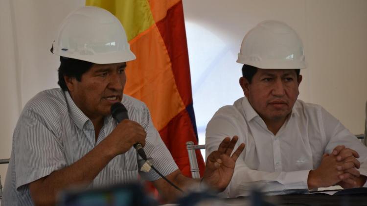 Presidente Evo Morales y Ministro Sánchez en conferencia de prensa posterior a la inspección al pozo Huacaya II, en Chuquisaca. Archivo
