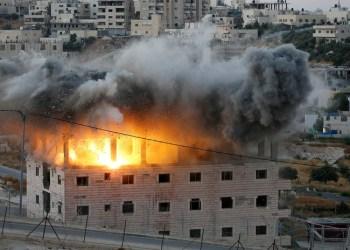 Fuerzas israelíes demuelen un edificio palestino en Sur Baher, en las afueras de Jerusalén Este, el 22 de julio de 2019. / Mussa Qawasma / Reuters