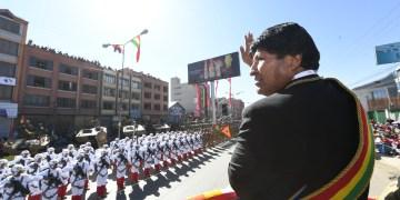 El presidente Evo Morales abrió el miércoles hacia el mediodía la Parada Militar en homenaje de los 194 años de creación de las Fuerzas Armadas.