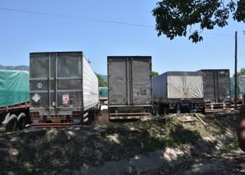 Los camiones varados en la frontera