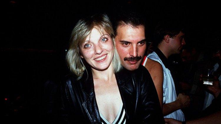 Mary Austin y Freddie Mercury (Foto: Grosby)