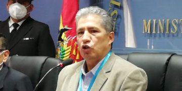 Edmundo Novillo, Ministro de Defensa.