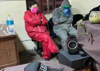Ciudadanos chinos en oficinas de la Fuerza anticrimen. Foto: Policía Boliviana