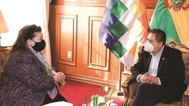 El Canciller y la encargada de negocios de EEUU, Charisse Phillips, en un anterior encuentro. Foto: Cancillería de Bolivia