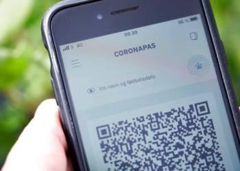 Ny coronapas-app kan nu downloades. København, fredag den 28. maj 2021.I appen vil det være muligt for brugeren at skifte mellem to indstillinger til brug i henholdsvis Danmark og udlandet, så kun de nødvendige oplysninger vises. Appen kan benyttes til at dokumentere et gyldigt coronapas i både Danmark og ved rejser i EU.. (Foto: Signe Goldmann/Ritzau Scanpix)