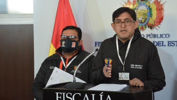 Miembros de la Fiscalía se refieren a la detención de Mario Bascopé. Foto: FGE.