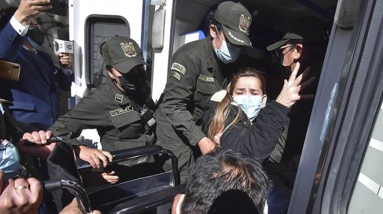 La expresidenta Jeanine Áñez es trasladada a un hospital (archivo).   APG