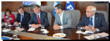 POLÍTICA: Hermes Binner junto a los diputados Omar Duclós, Alicia Ciciliani y Juan Carlos Zabalza se reunieron con directivos de YPF