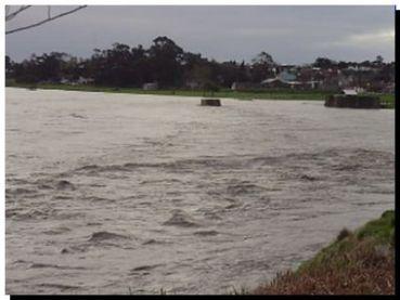 INUNDACIONES: El gobierno bonaerense recorre las zonas afectadas por la inundación