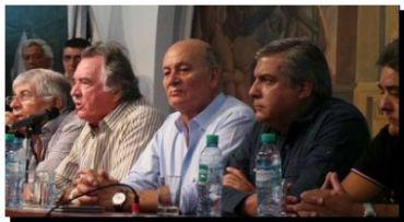 """GREMIALES: Los gremios opositores al gobierno afirmaron que el paro fue """"contundente"""""""