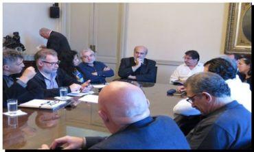 GREMIALES: El Gobierno sin realizar ofrecimiento salarial y propone reformar el CCT