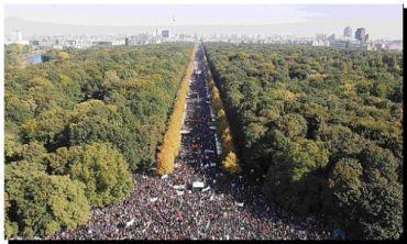 CRISIS: Manifestación mulltitudinaria en Berlín